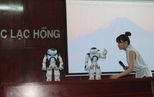Đại học Lạc Hồng mua 2 robot để dạy học
