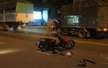 Lấn làn tông trực diện xe tải, 2 thanh niên nguy kịch