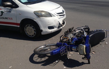 Chạy xe máy không đội mũ bảo hiểm, 1 nam sinh gặp nạn