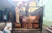 Bắt xe tải chở 2,5 m3 gỗ lậu lúc rạng sáng