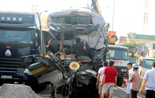 2 xe tải tông nhau, một người tử vong