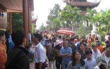Mướt mồ hôi ở ngôi chùa lớn nhất miền Tây