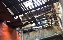 Sập mái nhà cổ thời Pháp ở trung tâm Sài Gòn