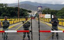 Lính Venezuela đấu súng với cảnh sát Colombia