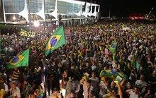 Vừa cứu ông Lula, Tổng thống Brazil đối mặt luận tội