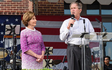 Mỹ: Ông Bush sợ mình là tổng thống Cộng hòa cuối cùng