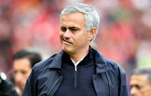 Mourinho tố trọng tài cướp của M.U 2 quả phạt đền