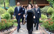 Chủ tịch QH Nguyễn Thị Kim Ngân bật mí về thói quen mặc áo dài