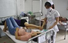 Đi du lịch, 16 giáo viên nhập viện nghi bị ngộ độc