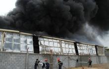 Công ty hóa chất cháy rụi trong nháy mắt