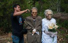 Indonesia: Hãi hùng nghi lễ đào mộ, tắm gội xác chết