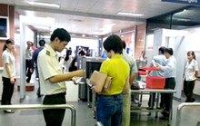 Độc chiêu đi máy bay bằng giấy tờ giả theo đúng tên trong vé
