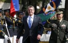 Bộ trưởng Quốc phòng Mỹ thăm tàu sân bay ở biển Đông