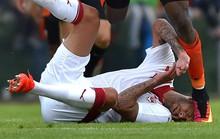 Tân binh Bordeaux bị đạp rớt vành tai ngay trận ra mắt