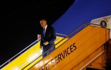 Clip Tổng thống Obama đến sân bay Nội Bài