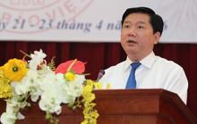 Bí thư Đinh La Thăng cùng báo chí trị bệnh thành tích