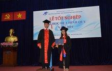 Gần 2.300 sinh viên ĐH Mở TP HCM tốt nghiệp