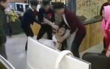 Trung Quốc: Cô dâu mê game bị lôi đi làm lễ cưới