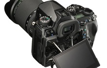 Pentax K-1: Full-frame chống rung 5 trục giá 1.800 USD
