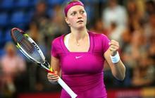 Nữ vô địch Wimbledon bị cướp đâm thủng tay