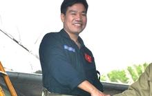 Đưa phi công Su-30 Nguyễn Hữu Cường về cảng Cửa Hội