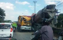 Xe tải đấu đầu xe bồn, 2 tài xế nguy kịch trong cabin