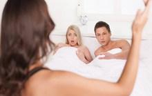Chết lặng khi thấy chồng sờ ngực ôsin trẻ đẹp