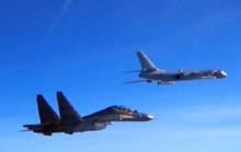 """Máy bay chiến đấu Mỹ - Trung - Đài """"chạm trán"""" trên không"""