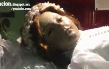 Xác ướp 300 năm bất ngờ mở mắt
