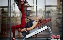 Ngưỡng mộ cụ bà 71 tuổi vẫn tập gym mỗi ngày