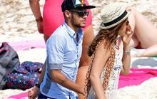 Neymar hẹn hò… tình cũ, chưa vội về Barcelona