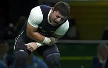 Chấn thương kinh hoàng, lực sĩ cử tạ đau đớn rời Rio 2016