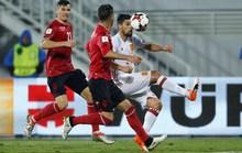 Tây Ban Nha và Ý vượt khó, chia ngôi đầu bảng