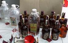 Uống trà trong bar phải trả tiền với giá Chivas Regal 18