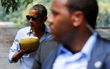 Uống nước dừa, Tổng thống Obama quyến rũ Lào