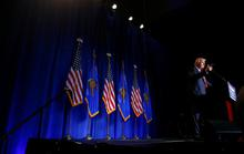 Ông Trump quay lại vỗ về lãnh đạo Cộng hòa