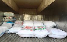 Tạm giữ 5 tấn gạo nghi nhập lậu