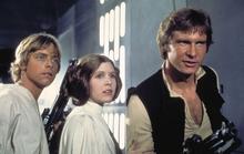 Sao phim Star Wars đau tim khi trên máy bay