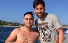 Fan cuồng bơi cả 1.000 m để gặp Messi
