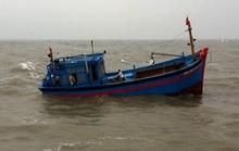 14 ngư dân thoát nạn sau 2 ngày tàu cá gãy tay lái