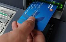 Chủ thẻ VIB bị mất 1.526 USD, còn bị phạt lãi 88 triệu đồng