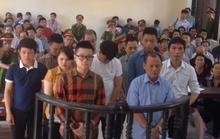 """Nhiều thanh niên xăm trổ ngoài tòa xử Minh """"Sâm"""""""