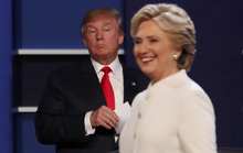 Bà Clinton thống trị cuộc tranh luận cuối