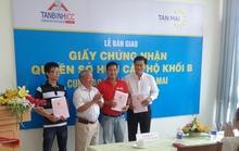 Trao chủ quyền cho 13 cư dân đầu tiên căn hộ Tân Mai
