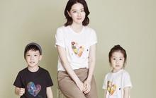 Lee Young Ae cùng hai con chăm chỉ làm từ thiện