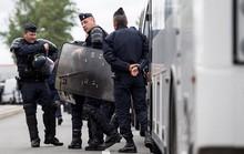 Pháp trục xuất 50 CĐV Nga, dọa bỏ tù 6 hooligan Anh
