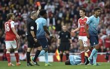 """Wenger bênh vực """"vua thẻ đỏ"""""""
