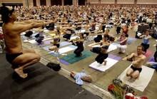 Quấy rối tình dục, triệu phú yoga Mỹ bị phạt 7 triệu USD