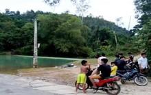 Người chôn biển báo giao thông chết bất thường trên hồ nước