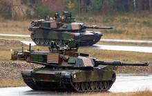 Hàng trăm xe tăng, xe quân sự Mỹ tới châu Âu